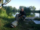 Dňa 29.07.2013 - úľovok nášho rybára Vojtecha Lépesa v Jahodnej na rybníku.